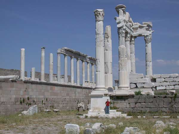 hellenistic art and architecture